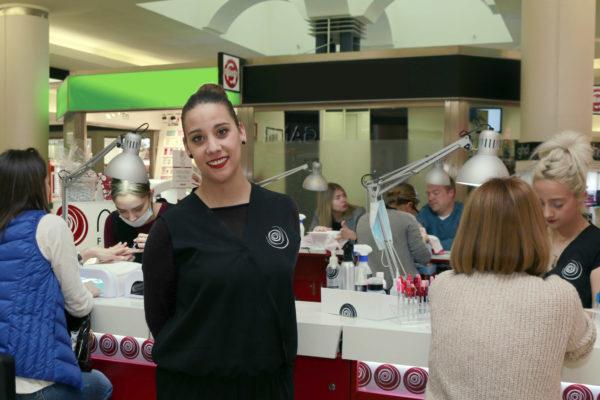 Conoce la experiencia en Nails Factory de Laura, franquiciada de Nails Factory Centro Comercial El Carralero