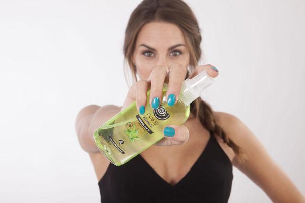 Las manos y las uñas cuidadas con Aloe Vera