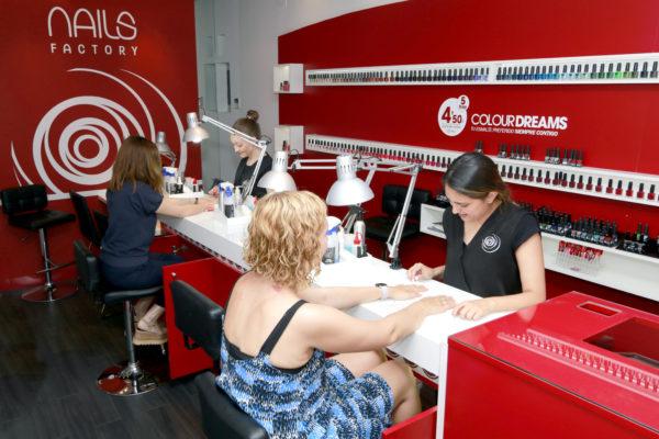 Marta Hernández, propietaria de cuatro franquicias Nails Factory