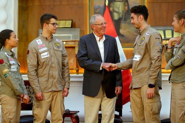 Presidente Kuczynski sostuvo encuentro con jóvenes integrantes